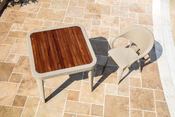 Table Antares & Armchair Flash-R_medium
