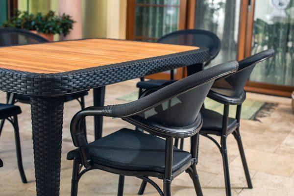 Table Osaka & Armchair Flash_medium